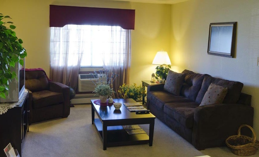 South Towne Village Apartments - Milwuakee
